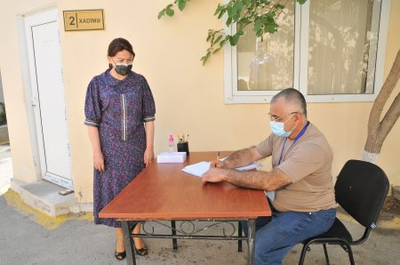 İradə Gülməmmədova və oğlu könüllü orduya yazıldı