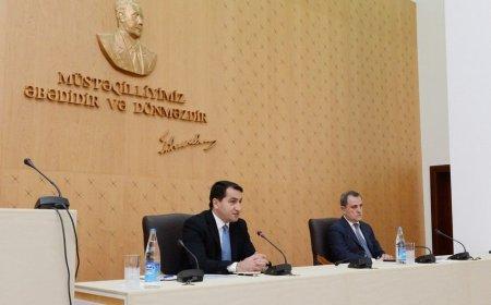 Ceyhun Bayramov Prezidentin köməkçisi ilə brifinq keçirəcək