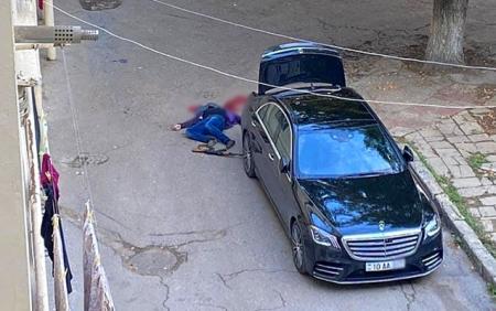 İş adamı özünü Roza Zərgəlinin qızının gözləri qarşısında öldürüb? - TƏFƏRRÜAT