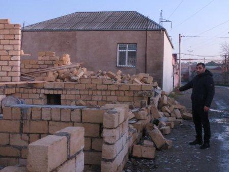 Binəqədi rayon icra hakimiyyəti tərəfindən 2-ci qrup əlilin evi söküldü-VİDEO
